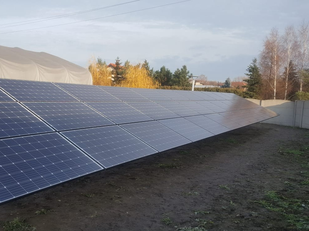 Part of the south-oriented 31 kWp ground installation installed in the town of Sieradz.