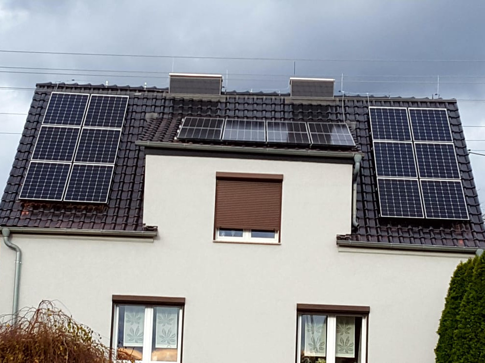 Installation with a maximum power of 6.3 kWp mounted on the south side of a gable roof in Kielcza.